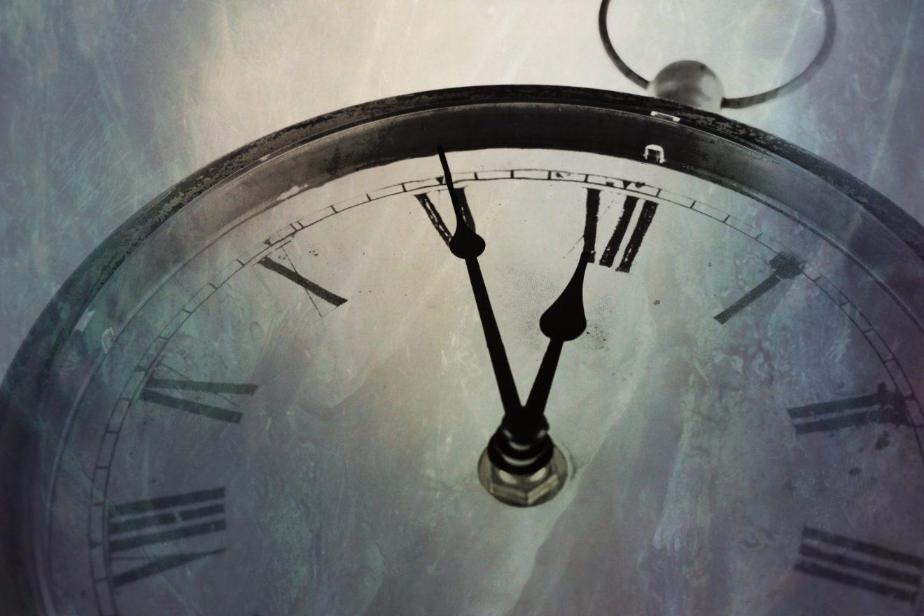 時間は未来から過去に流れる